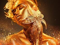 - Altın Vücutlu Çiçek Tutan Kadın 2 Kabartmalı Tablo