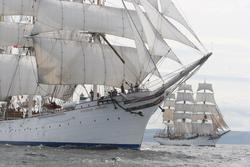 - Beyaz Gemi Kanvas Tablo