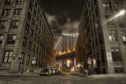 - Binalar Arasında Manhattan Köprüsü Kanvas Tablo
