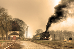 - Kasaba ve Tren Kanvas Tablo